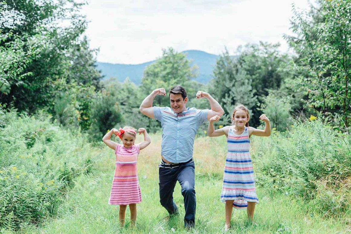 dad-and-girls-