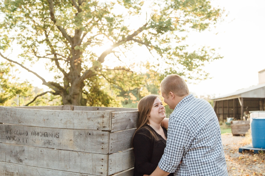 barnards-orchard-chester-county-pa-couple-pictures_0022