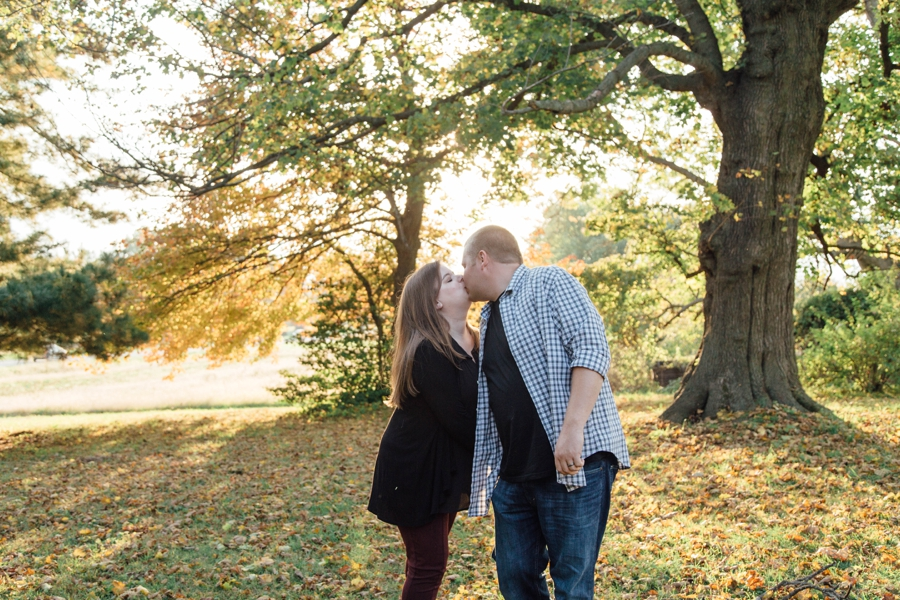 barnards-orchard-chester-county-pa-couple-pictures_0027