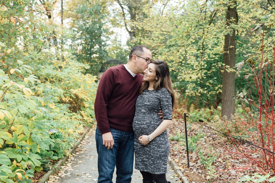 longwood-gardens-maternity-pictures-chester-county-pa_0019
